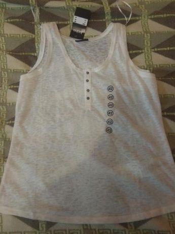 Фирменная лёгкая футболка janina!