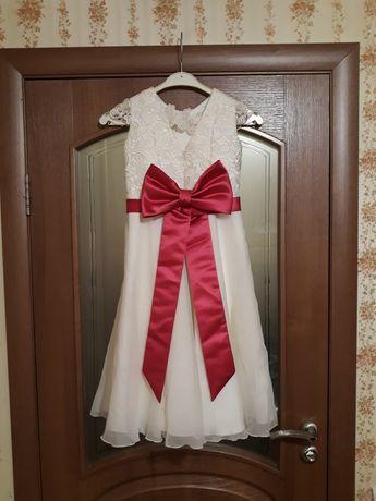 праздничное белое детское свадебное шикарное платье