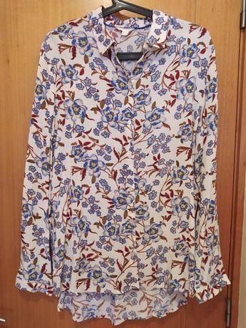 Blusa estampada com motivos florais