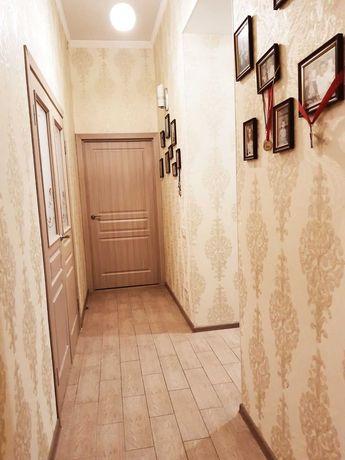 Продам свою трехкомнатную квартиру в историческом центре Одессы.