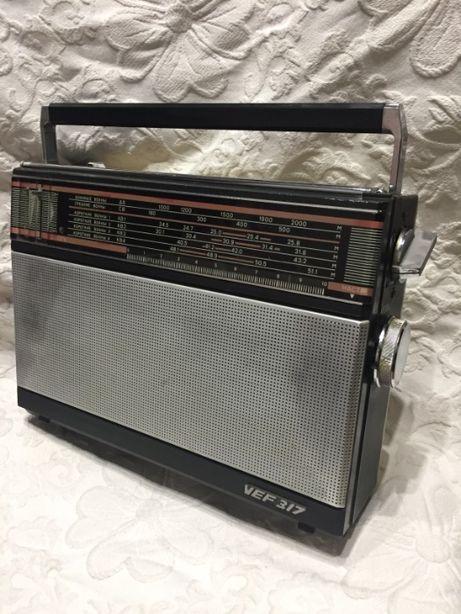 Продам рабочий радиоприемник Рижского р/завода VEF 317 ( СССР )