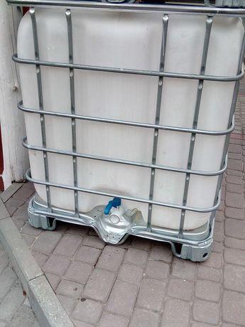 Zbiornik mauzer 1000l.