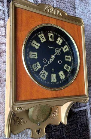 Настенные маятниковые часы Янтарь с боем