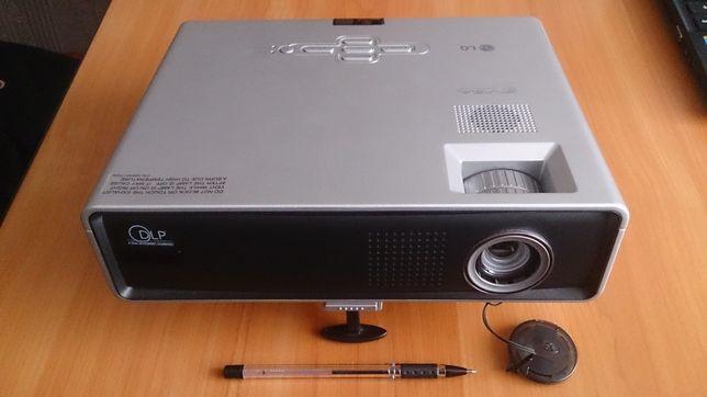 Мультимедийный проектор LG DS-125