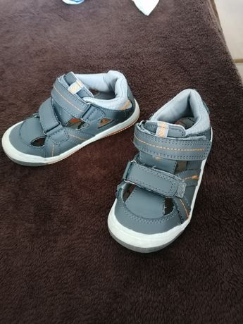 Sandałki Dziecięce buciki 26