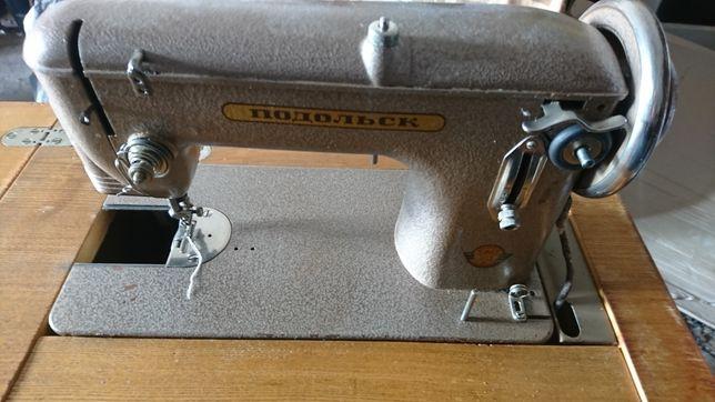 Продам швейну машинку Подольск