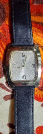 Наручные часы. Кварцевые часы