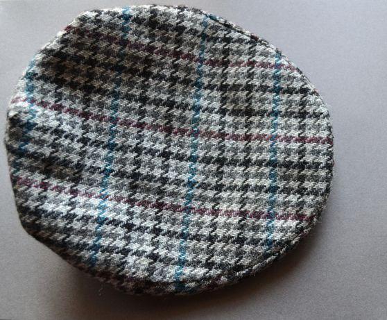 Boina em lã tamanho 55