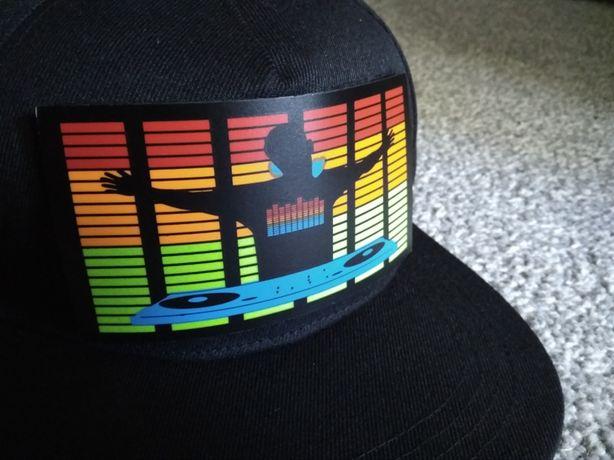 Świecąca czapka LED equalizer ŚWIECĄCA na dźwięk APKA aktywna czapka