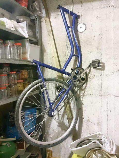 Części rowerowe, rama, kierownica, siodełko