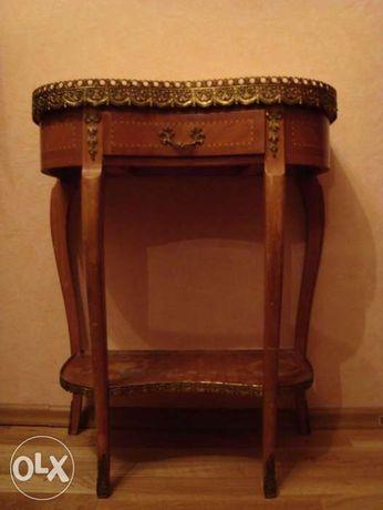 Столик консольный