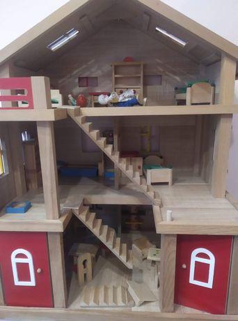 Domek  dla lalek drewniany z akcesoriami
