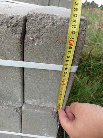Bloczek betonowy