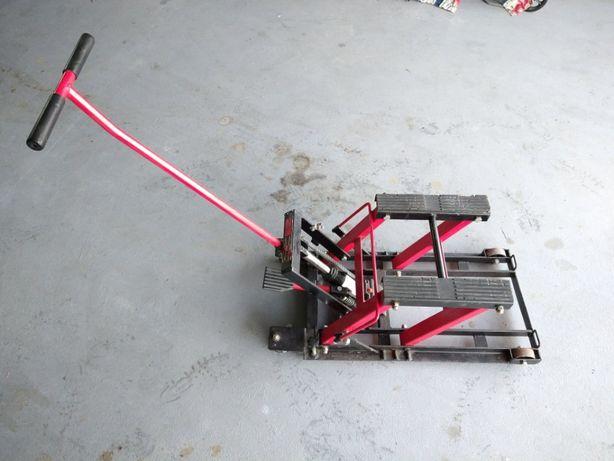 Podnośnik hydrauliczny do motocykla-quada