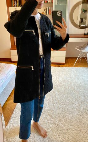 Чёрное пальто в стиле Шанель