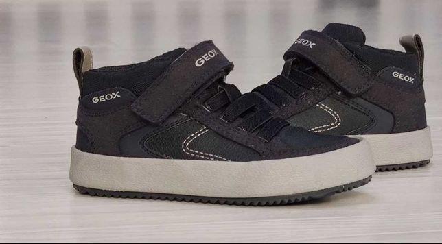 Новые  Geox, 24-24.5 размер, стелька 15.5 см. Ботинки деми