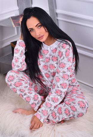 Женская пижама с длинным рукавом
