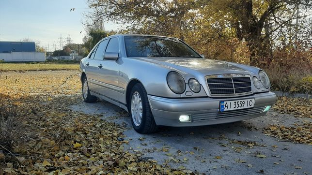 Mercedes Benz W210 E300