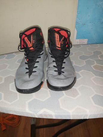 Баскетбольные кроссовки Under Armour  US 11 29 см