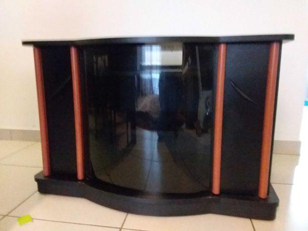 Movel TV com boa arrumação