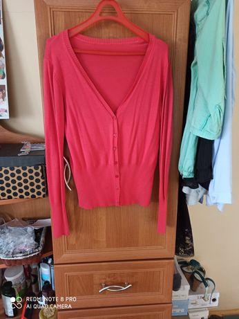 Modny sweterek w swietnym kolorze M