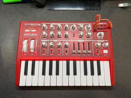 Syntezator Arturia Microbrut RED