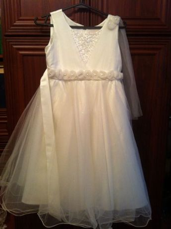 Шикарна сукня для святкового ранку чи першого причастя