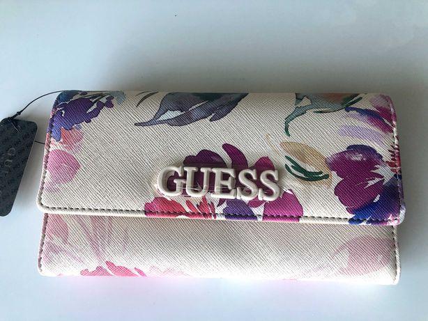 GUESS portfel w kolorowe kwiatki