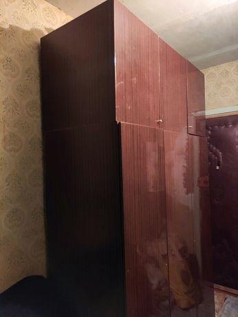 Большой 3-х дверный шкаф с антресолью