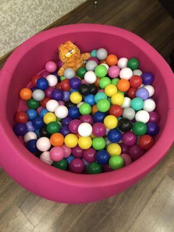 Сухой бассейн  (большой) TM MaikinBaby с шар. (110 диаметр/200 шар)