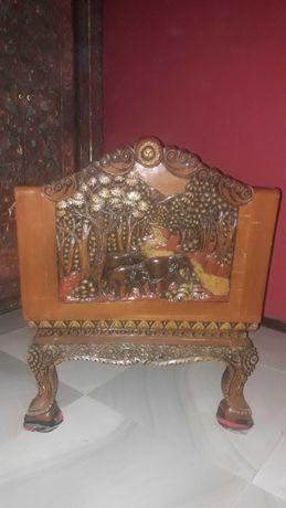 Fotel rzeźbiony z drewna egzotycznego, orientalny, indyjski,  tajski