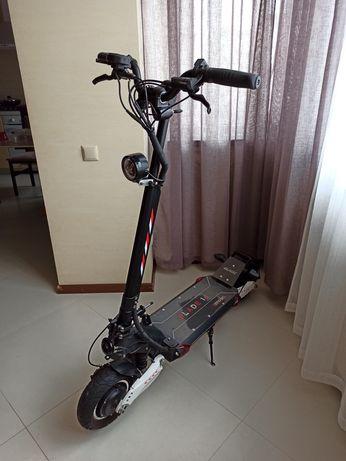Электросамокат Speedtrott RX2000 / Blade10