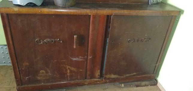Stara witryna szafa