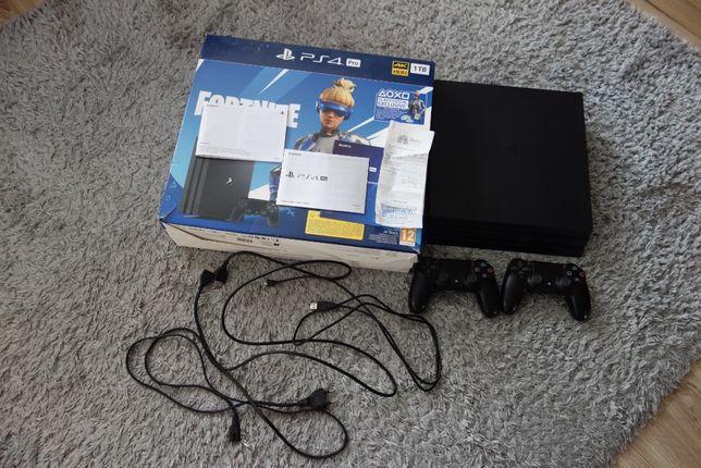 SONY PLAYSTATION 4 PRO BLACK 1TB 2 джойстика, 64 ігри