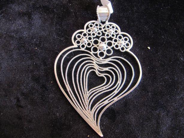 Coração de Viana em prata feito designer. Trabalho em filigrana manual
