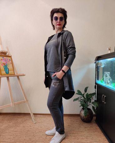 Прогулочный женский костюм , производство Турция.
