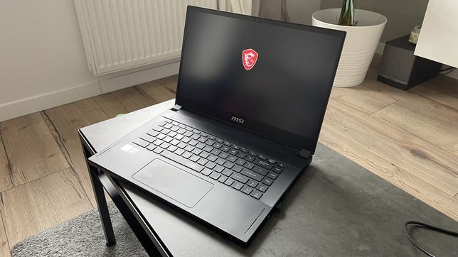 Laptop MSI GS66 Stealth i9-10980HK 32GB 4Tb SSD RTX 2080 MAX-Q