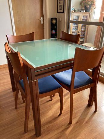 Conjunto de Mesa de jantar em Cerejeira + 6 cadeiras + mesa televisão