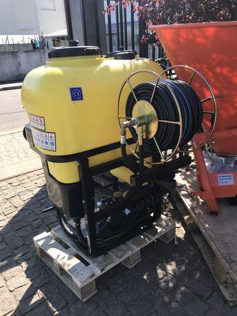 Pulverizador 200 litros com enrolador e 50 mts mangueira