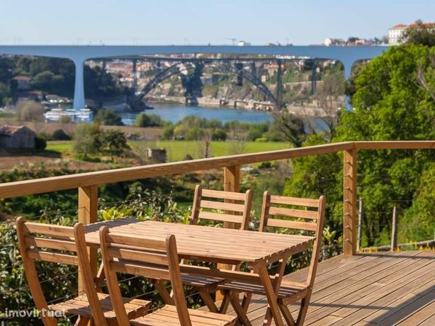 Quinta em Oliveira do Douro com vistas de rio - Excelente