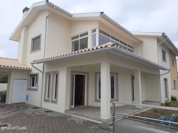 Moradia - 268 m² - T4