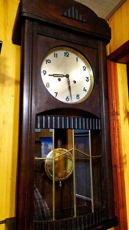 Zegar Kienzle wiszący z witrażem