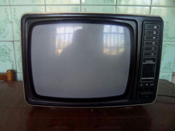 Телевізор чорнобілий