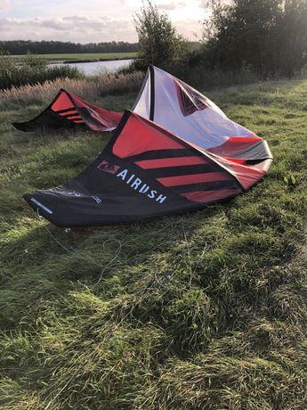 KitesurfinAirush vantage 18 uzywany kolo 10 raz plus bar bez uszkodzen