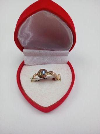 Złoty pierścionek 585, rozmiar 14