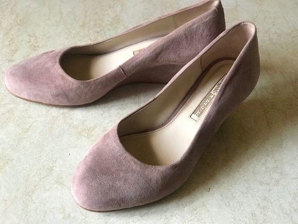 Женские замшевые туфельки р.37,пудра цвет