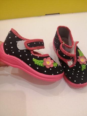 Продам нове взуття на дівчинку Zetpol