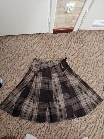 Spódnica damska w kratkę.