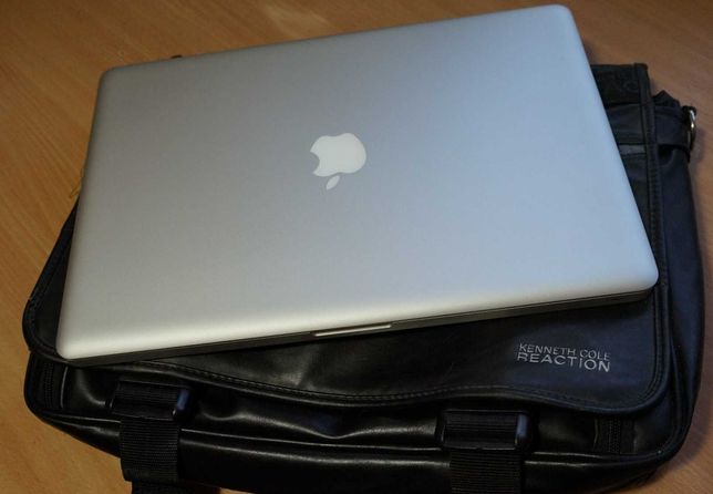 """15,4"""" Macbook Pro A1286 Early 2011 + сумка Kenneth Cole Reaction"""
