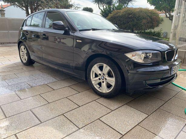 BMW serie 1 do ano de 2009